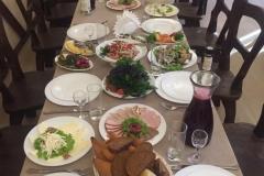 Фото стола с едой на банкете